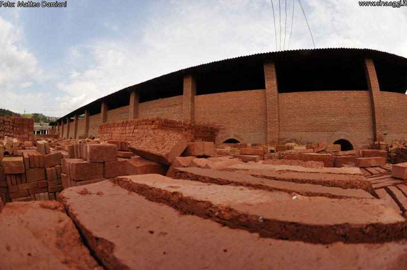 Exploring abandoned Chinese brick factory (36 images)