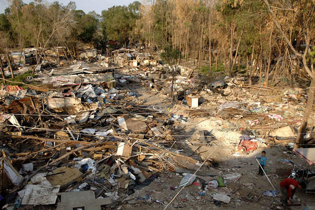 fenghuang-slum-demolition-2