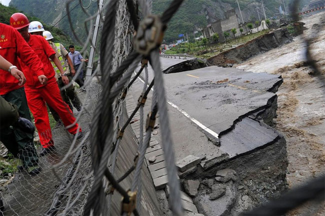 wenchuan-2 pictures of floods in China