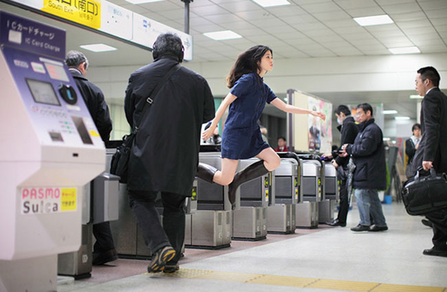 001Natsumi-Hayashi-Floating girl in Japan