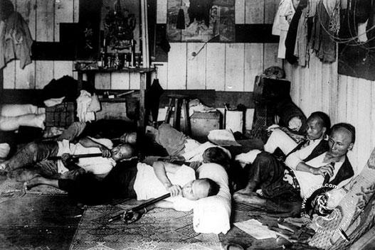 chinese-workers-opium-01-Chinese Opium-Smokers